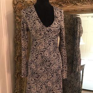 Black and White Diane vonFurstenberg  100% Silk.